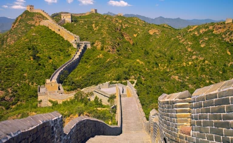Excursion sur la Grande Muraille & les Tombeaux Ming, Fabrique de cloisonnés et la voie sacrée